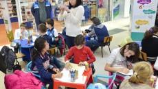 Galeriile Auchan Craiovița îi invită pe copii să învețe mai multe despre efectele poluării asupra mediului înconjurător, încurajându-i să găsească soluții prin care să contribuie la diminuarea încălzirii globale (Foto: Claudiu Tudor)