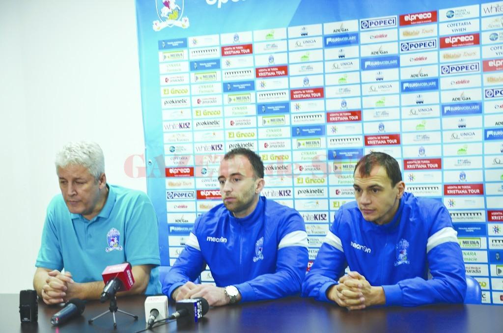 Dan Pascu, Bogdan Ene şi Nicuşor Ghionea şi-ar dori să fie susţinuţi de mai mulţi spectatori (Foto: Claudiu Tudor)