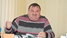 Primarul comunei Malu Mare, Alexandru Dicu, spune că membrii consiliului local se pun intenționat împotriva sa. Acesta îl acuză și pe șeful Serviciului Juridic din Prefectura Dolj, Eugen Marinescu, de faptul că-i învață pe consilieri să îi pună piedici primarului. (Foto: Claudiu Tudor)
