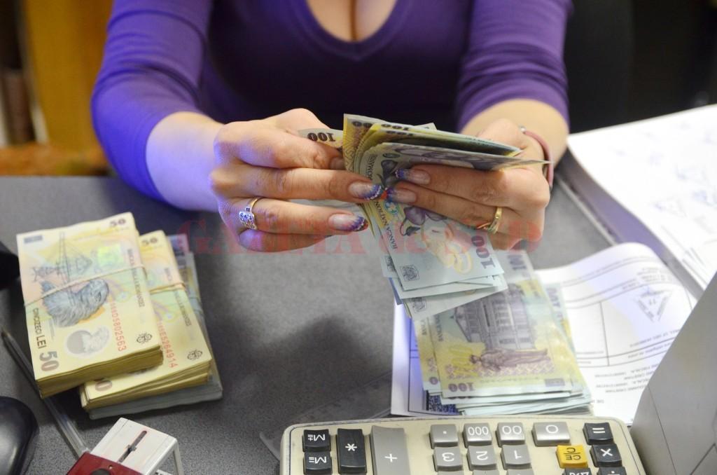 bani la numarat Finante