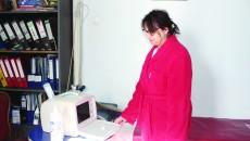 Dr. Marcela Gavrilă este medic de familie și unul dintre doctorii care lucrează în Centrul de Permanență din Goicea ()