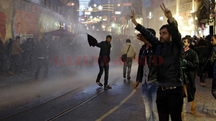 protests-after-kurdish-lawyer-killed-in-turkeys-southeast-1448742477