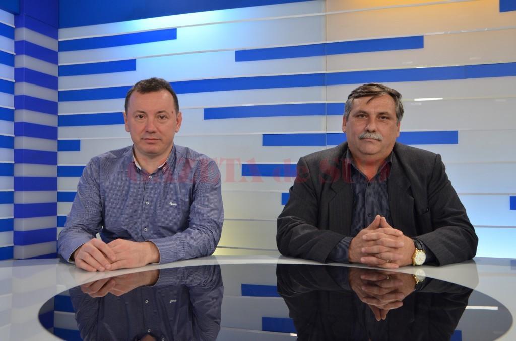 """Eleodor Cârstoiu (stânga), medic chirurg pediatru și vicepreședintele federației Hipocrat, și Ion Cotojman, președintele Hipocrat, au vorbit, în cadrul emisiunii """"Ora de Sănătate"""", de la Alege TV, despre problemele din sănătate (Foto: Bogdan Grosu)"""
