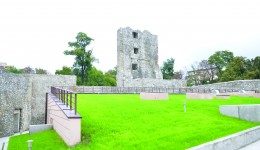 Turnul din colțul de nord-est al primei incinte a Cetății Medievale a Severinului (Foto: Claudiu Tudor)
