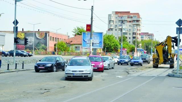 Polițiștii doljeni au dat nouă amenzi în acest an pentru lucrările efectuate pe strada Calea București (Foto: Arhiva GdS)