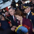 Mii de oameni au venit în Gara Craiova pentru a se întâlni cu Principesa Moştenitoare  Margareta şi Principele Radu, însoţiţi de Principesa Maria (Foto: Claudiu Tudor)