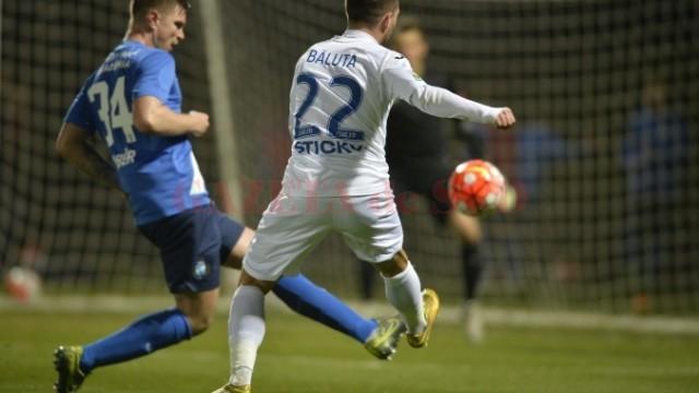Băluţă a pasat decisiv la golul lui Nuno Rocha (foto: csuc.ro)
