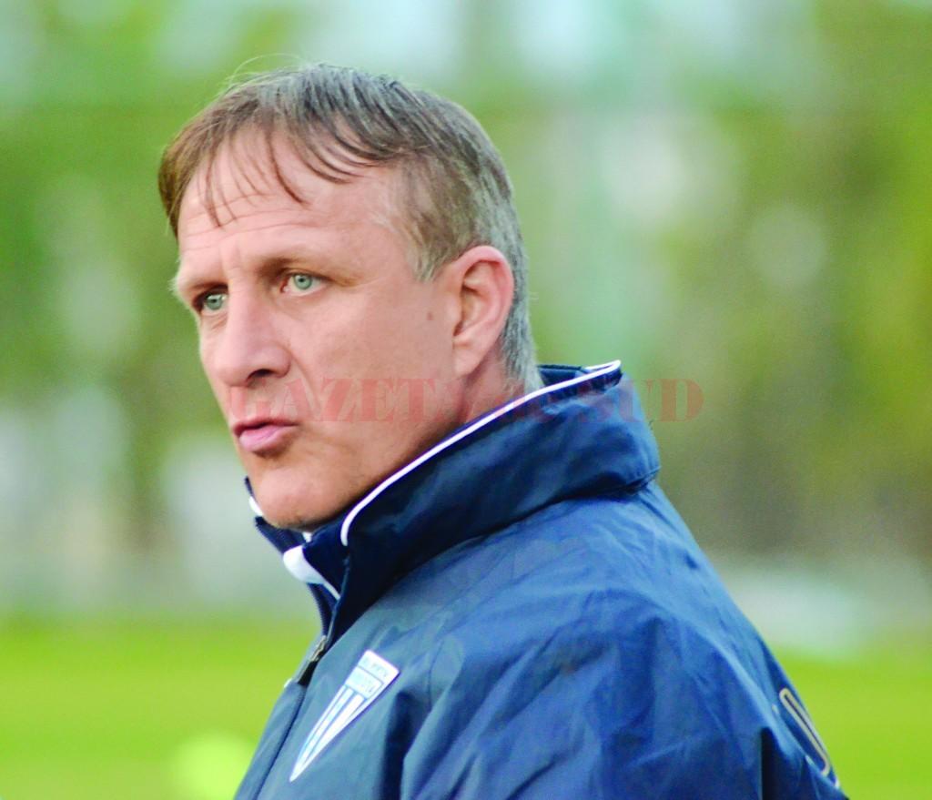 Emil Săndoi nu se aştepta ca oficialii Craiovei să negocieze cu Steaua pentru vânzarea de jucători (Foto: Alexandru Vîrtosu)