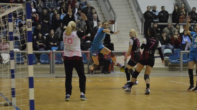 Cătălina Cioaric a înscris cinci goluri