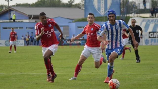 Gigi Becali îi doreşte la Steaua pe Andrei Ivan (la minge), Bogdan Vătăjelu, Alex Mateiu şi Nicuşor Bancu (foto: Alexandru Vîrtosu)