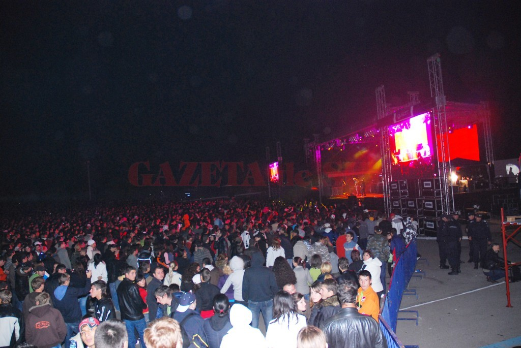 Primăria Craiova riscă să plătească peste un milion de euro despăgubiri pentru că fosta administraţie nu a plătit la timp contribuţiile de drepturi de autor pentru concertele organizate în perioada 2006-2011 (Foto: Arhiva GdS)