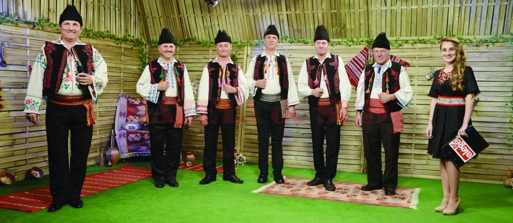 """Grupul """"Vişinarii"""", în studioul Alege TV (Foto: GdS)"""