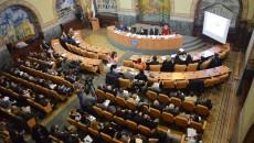 Zeci de craioveni au participat la dezbaterea publică pe tema bugetului orașului pentru anul 2016 (Foto: Valentin Tudor)