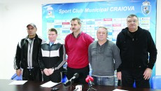 Marcel Sârba (stânga), Ion Dragomir, Marius Barcan, Traian Pană și Ion Joița au vorbit despre planurile noii secții de box de la SCM Craiova (Foto: Lucian Anghel)