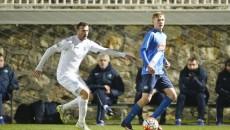 Izvoranu (în alb) şi colegii săi au pierdut amicalul cu FC Paksi (foto: csuc.ro)