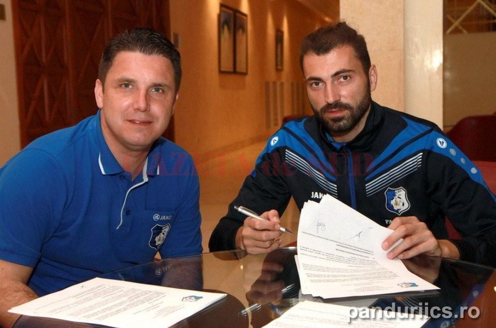Adrian Ropotan a semnat contractul pregătit de Narcis Răducan