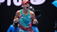 Angelique Kerber a cucerit trofeul la Australian Open şi de luni va urca pe locul doi în clasamentul WTA, devansând-o pe Simona Halep (foto: Prosport)