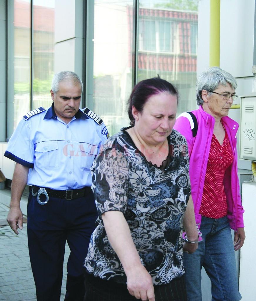 Cele două funcționare ale Primăriei Bucovăț au fost arestate preventiv pe 20 mai 2011 și au fost eliberate trei zile mai târziu, pe 23 mai (Foto: arhiva GdS)