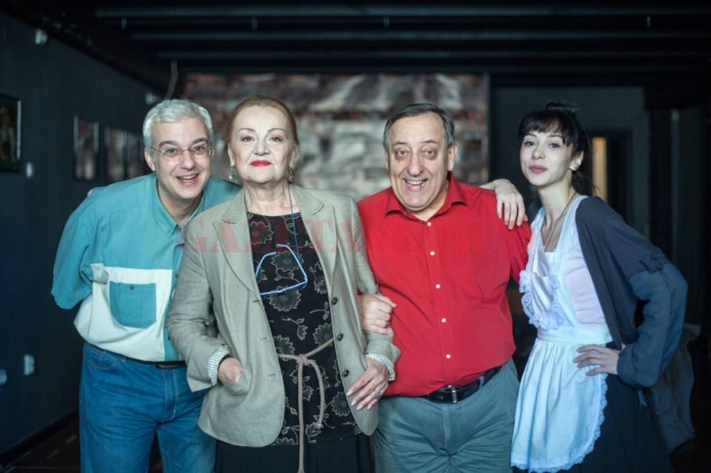 """Cătălin Crișan, Olga Delia Mateescu, Tudorel Filimon și Alexandra Sălceanu îi invită pe craioveni în """"Cabina actorilor"""" (Foto: ziare.com)"""