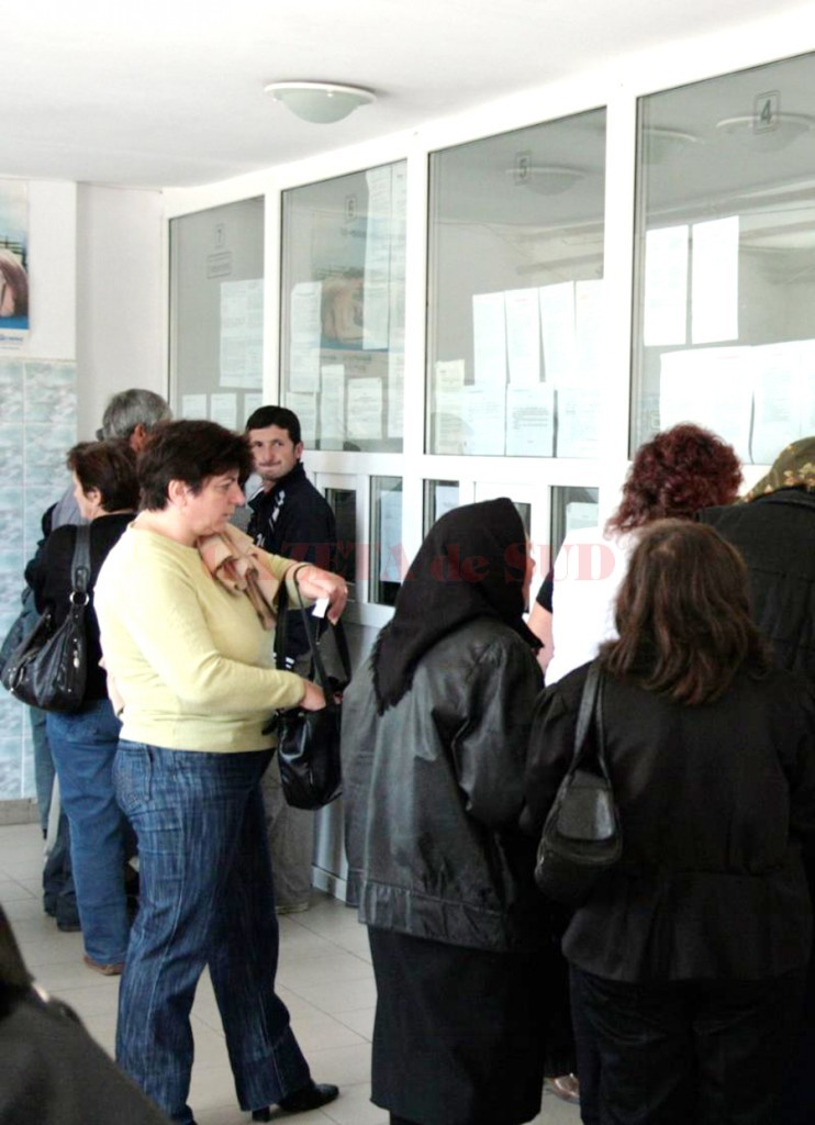 Târgujienii pot să îşi achite impozitele începând de ieri (Foto: Eugen Măruţă)