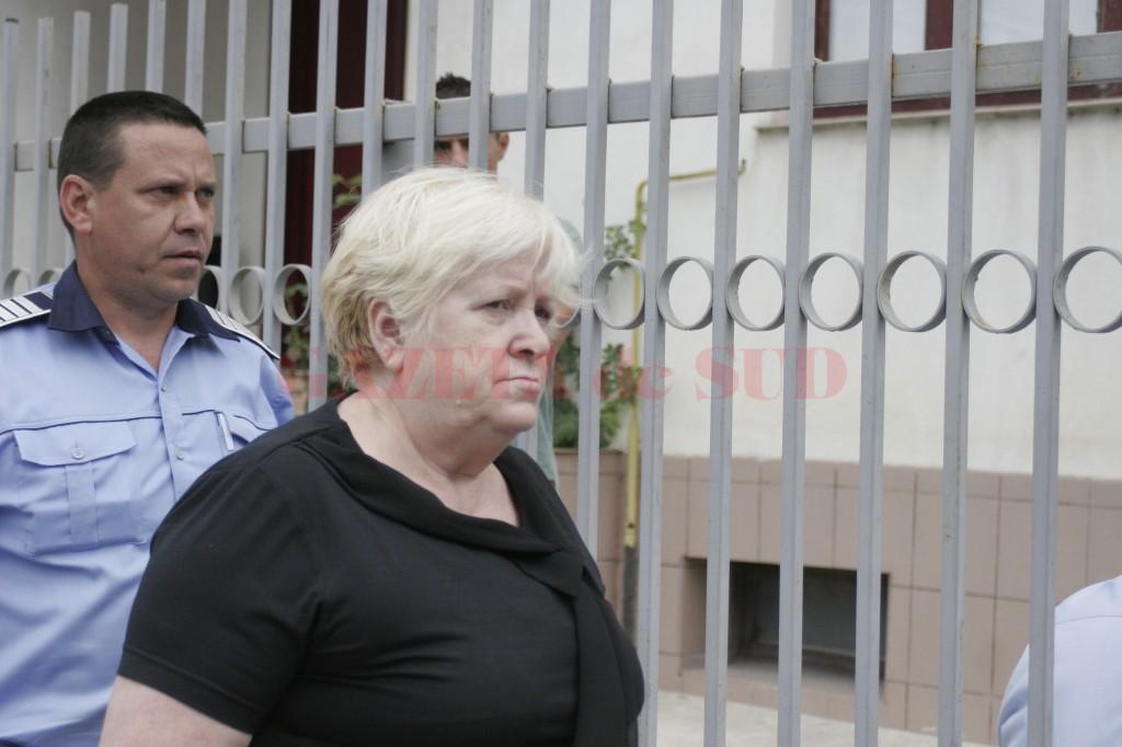 Fosta administratoare Liana Paraschiv a fost arestată preventiv pe 6 iunie 2013 (Foto: Arhivă GdS )