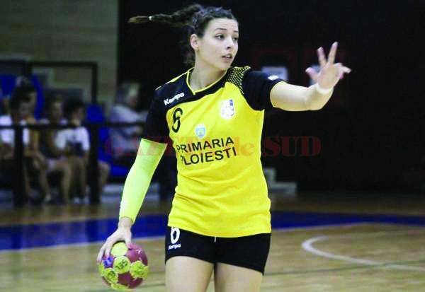 Maria Gavrilă evoluează pe postul de centru