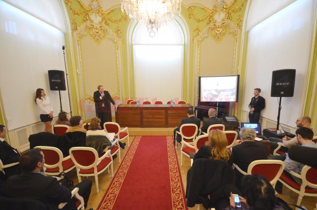 Vineri a avut loc prima conferință despre standardele  în chirurgia cardiovasculară și neurochirurgie, organizată  de medicii Spitalului Polisano (FOTO: Traian Mitrache)