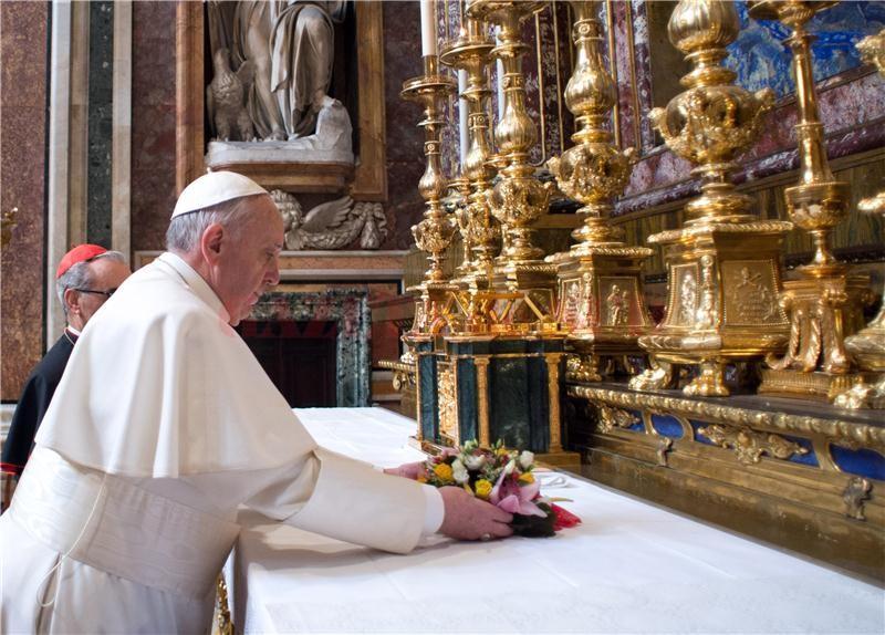 pope-francis-at-santa-maria-maggiore