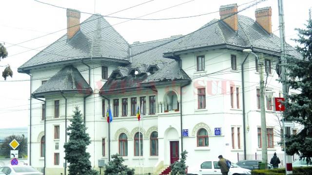 Primăria Municipiului Târgu Jiu (Foto: Arhiva GdS)