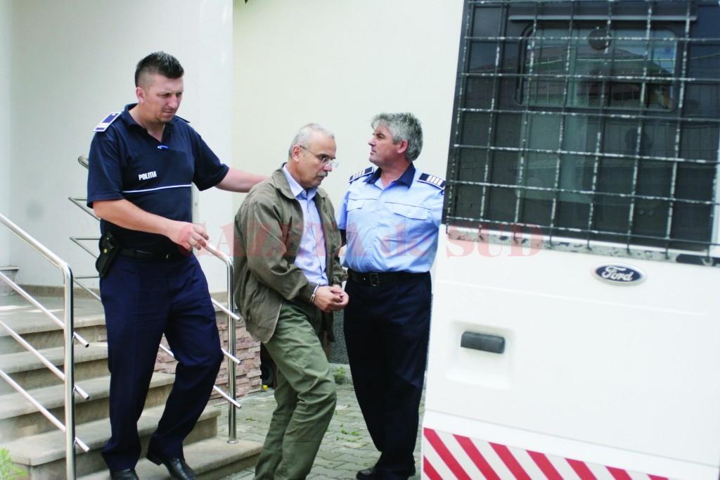 Profesorul Gorunescu a fost arestat preventiv pe 1 iunie 2012 și a fost eliberat după nouă luni, pe 1 martie 2013 (Foto: arhiva GdS)