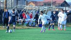 Motrenii (în albastru) au învins la pas trupa lui Gigi Ciurea (Foto: fcpodari.ro)