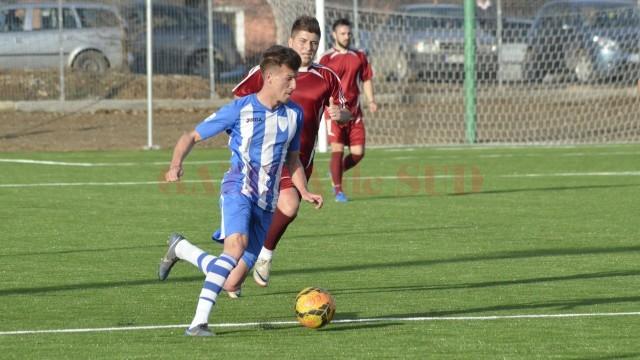 Olivian Surugiu a fost cel mai bun jucător de pe teren şi în amicalul cu Viitorul Cârcea (Foto: Alexandru Vîrtosu)