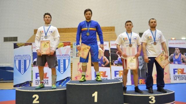 Ionuț Moise a devenit campion pentru a treia oară consecutiv, învându-l în finală pe colegul său de club Ionuț Răduică (foto: Bogdan Grosu)