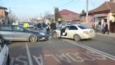 Polițiștii de la Rutieră au stabilit că șoferul Mercedesului este responsabil  pentru producerea accidentului (Foto: GdS)