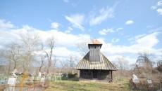 Bisericuța de lemn din satul Căpăţâneşti (Foto: Traian Mitrache)