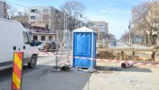 Un WC în plină stradă (Foto: Claudiu Tudor)