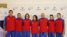 Cinci scrimeri români s-au calificat la Jocurile Olimpice. Una dintre componentele lotului de spadă este craioveanca Loredana Dinu (în centrul imaginii). Antrenorul lotului este tot un craiovean, Dan Podeanu (al treilea din dreapta).
