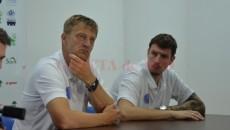 Antrenorul Oliver Popovic (stânga) a plecat. De echipă se va pregăti acum antrenorul secund Vladimir Vuksanovic (dreapta)