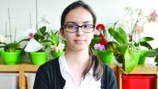 Maria Dincă, eleva care a obținut 10 la simularea evaluării naționale, este calificată și la trei olimpiade naționale (Foto: Bogdan Grosu)