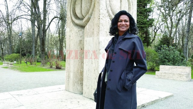 Experta din New York a venit la Târgu Jiu la invitaţia Institutului Cultural Român
