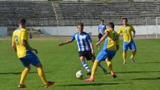 Olivian Surugiu (foto, în centru) a marcat la Alba Iulia, dar nu a putut împiedica înfrângerea (Foto: Lucian Danciu / Ziarul Unirea)