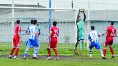 Portarul Laurenţiu Popescu a debutat cu dreptul în Liga I (Foto: Alexandru Vîrtosu)