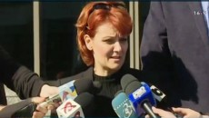 Olguţa Vasilescu la ieşirea de la Tribunalul Bucureşti (Foto: captură TVR Craiova)
