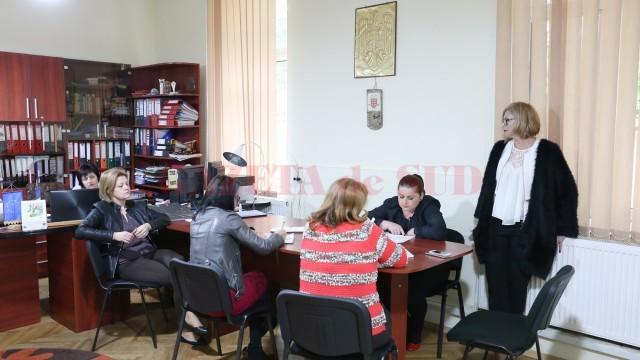 """Consiliul de administraţie al Şcolii Speciale """"Sf. Mina"""" (FOTO: Lucian Anghel)"""