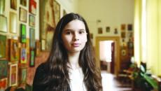 """Teodora Banu, eleva de nota 10 de la Școala Gimnazială """"Traian"""" din Craiova (Foto: Bogdan Grosu)"""