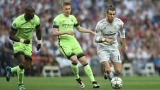 """Gareth Bale (la minge) a făcut diferența în semifinala cu """"cetățenii"""" (foto: uefa.com)"""