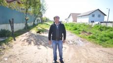 Doru Roșu are toate actele casei și terenului pe comuna Cârcea, inclusiv actele de identitate. Cu toate acestea, el este impozitat și de Primăria Craiova pe teritoriul căreia existase terenul inițial (Foto: GdS)