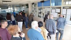 Craiovenii cărora le-a încasat primăria necuvenit impozitele, ca urmare a faptului că nu le-a aplicat reducerea aferentă  în funcție de vechimea blocului, pot cere rambursarea banilor din 2012 încoace (FOTO: arhiva GdS)