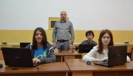 Emanuel Dicu, Alexandra Udriștoiu și Bogdan Iordache, olimpici la informatică, pregătiți de profesorul Marius Nicoli, vor reprezenta România la competițiile internaționale de profil