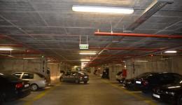 În prima zi în care intrarea s-a făcut contra cost, în parcarea subterană erau, la prânz, în jur de 200 de mașini